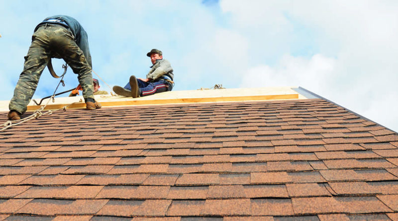 Why Using Tear Off and Replacement Roofing in Grand Rapids MI Is a Good Idea