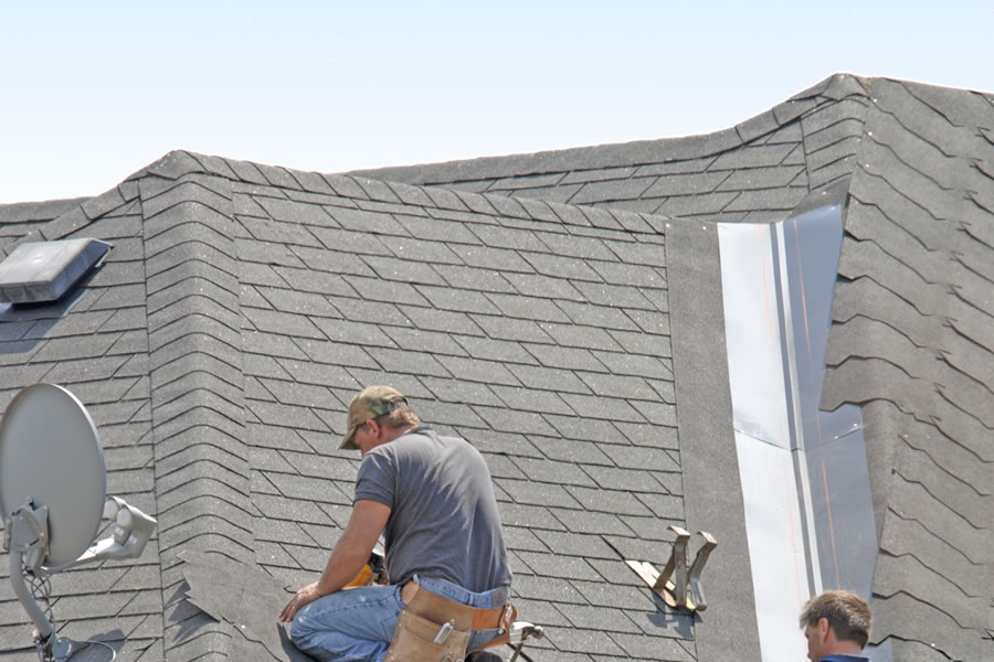 roof contractor in grand rapids michigan installing 3 tab shingles tab shingles installation21 tab
